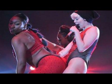 Provocatoarea Miley Cyrus
