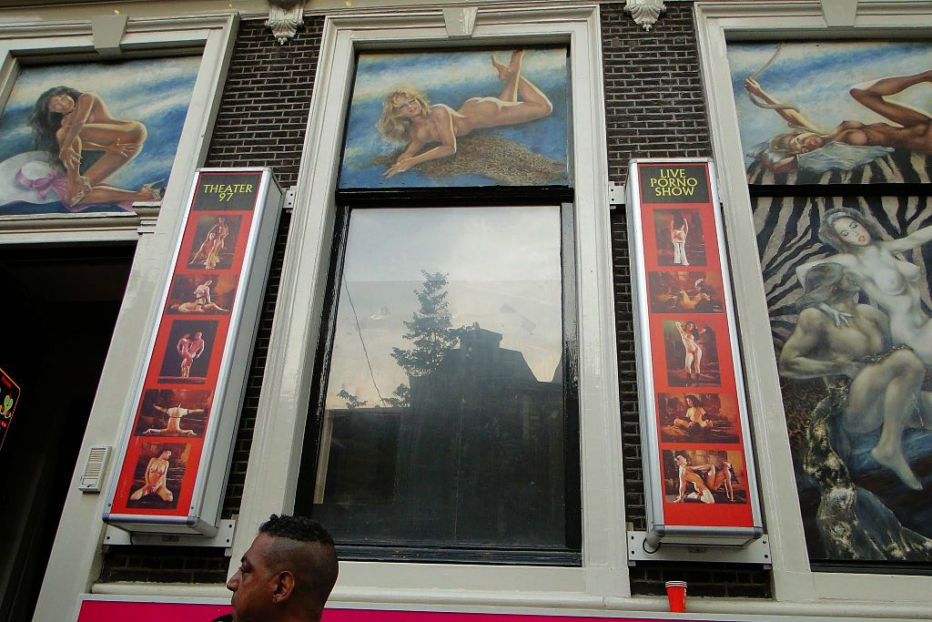 Sex theater in Amsterdam. Foto de Leon Petrosyan, Wikipedia.