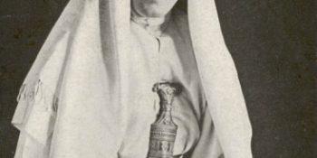 "Sursa Lowell Thomas. ""With Lawrence in Arabia"", Wikipedia."