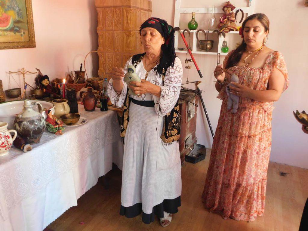 vrajitoarea Bratara in ritual 2u